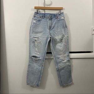 Abercrombie Light Wash Distressed Mom Jean Size 30